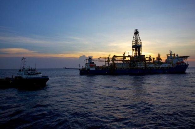 Anadarko -The Deepwater Millennium drillship-784x2048