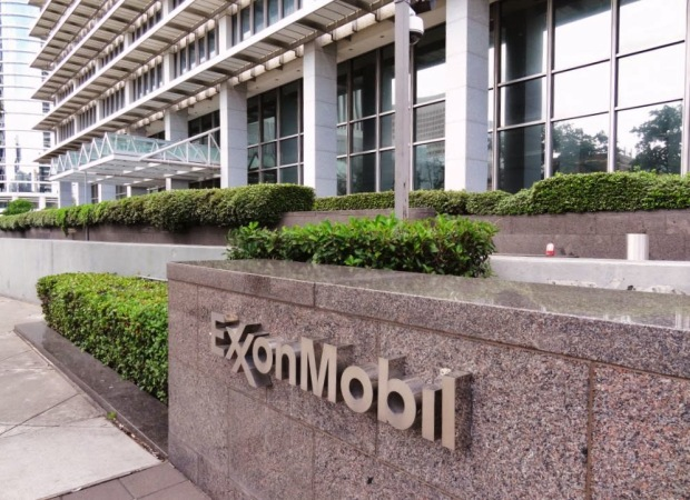ExxonMobil-signage-at-Downtown-Houston-Humble-Oil-Company-Building