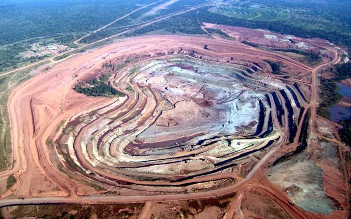 Catoca Mine - diamonds - Alrosa-buys-stake-in-angolas-largest-diamond-deposit-for-70-million.jpg