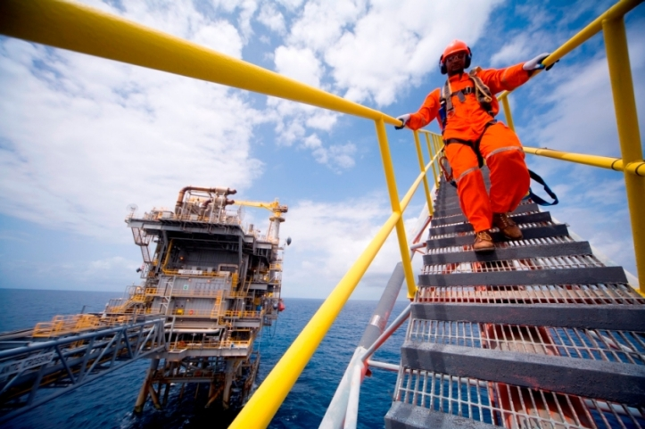 Oil and gas - OFFSHORE1
